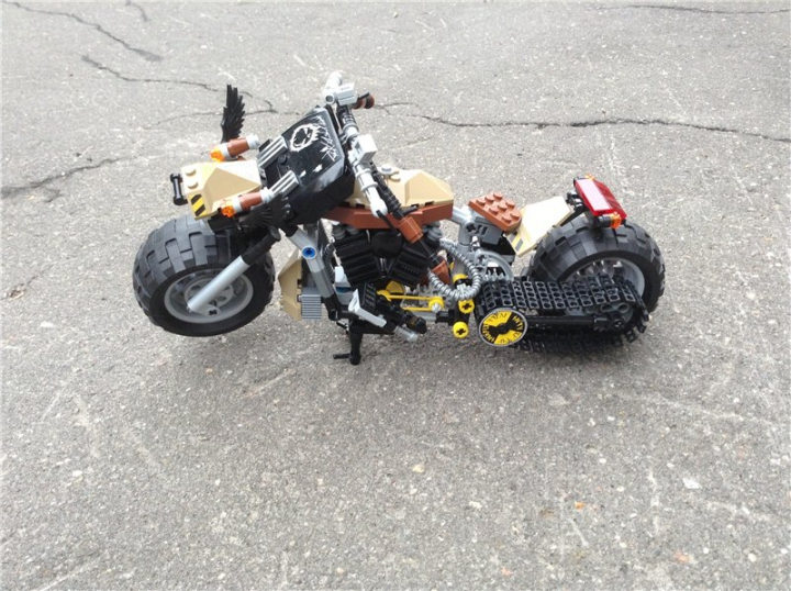 LEGO MOC - Мини-конкурс 'Lego Technic Motorcycles' - Rat Bike 'Raven'