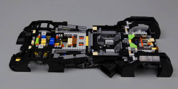 https://bricker.ru/images/uploads/thumbs/optim/5/posts/LEGO_76139/lego-batmobile-base-02.jpg